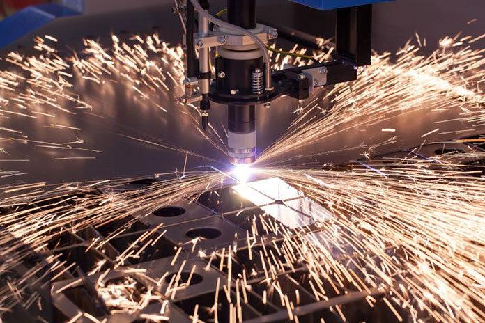Automatyzacja procesów w produkcji i obróbki metalu