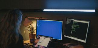 Dlaczego warto skorzystać z wirtualnej centrali